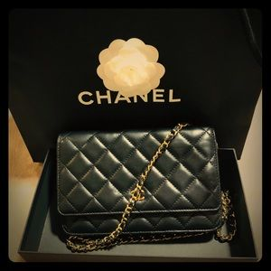 CHANEL Wallet on chain purse